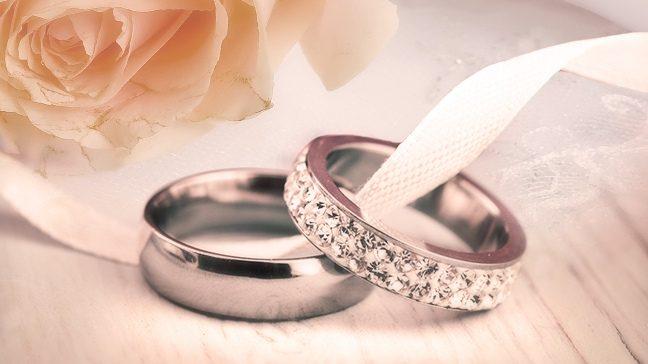 Vestuviniai žiedai – pagrindinis vestuvių šventės atributas, įprasminantis santuoką