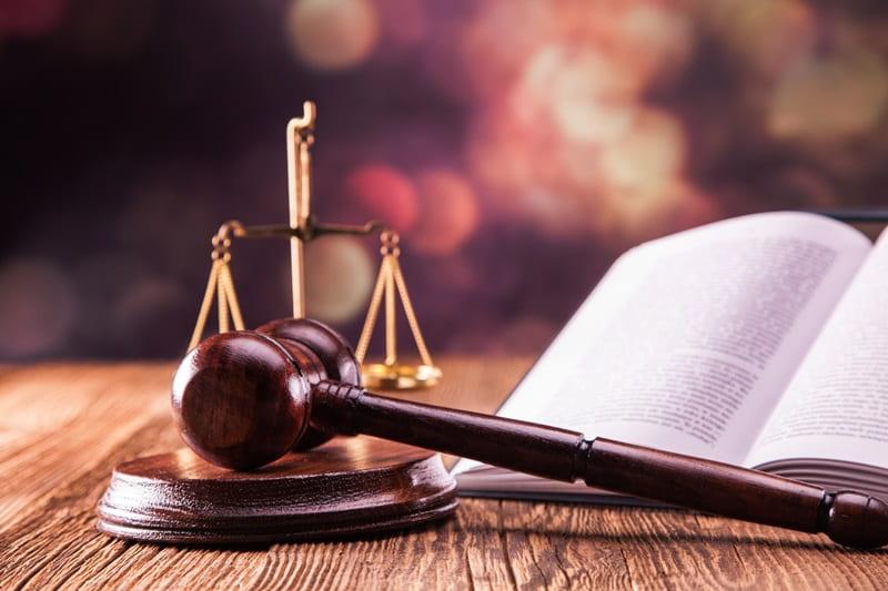 Paduoti i teisma